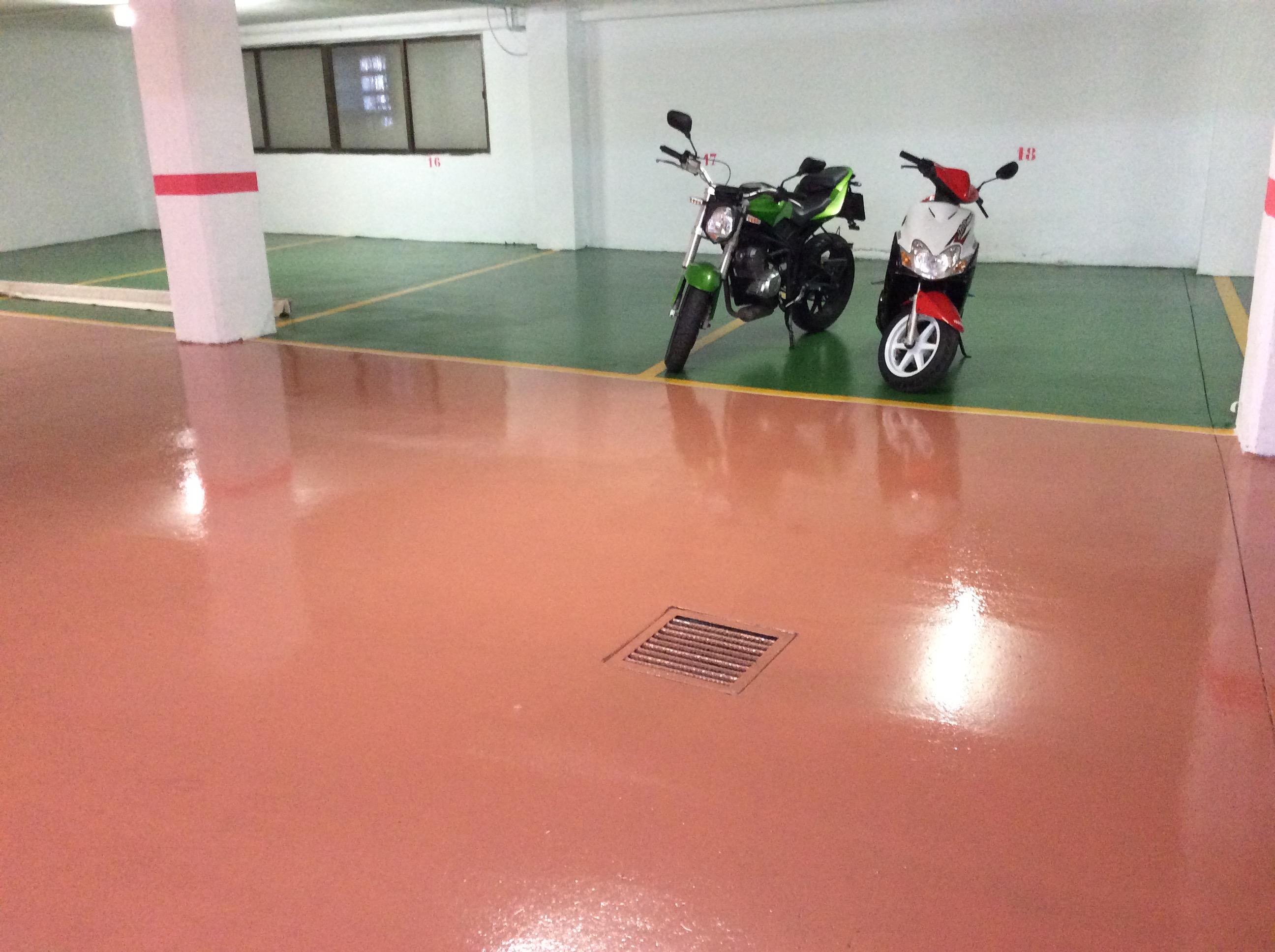 Pavimento autonivelante en Parking